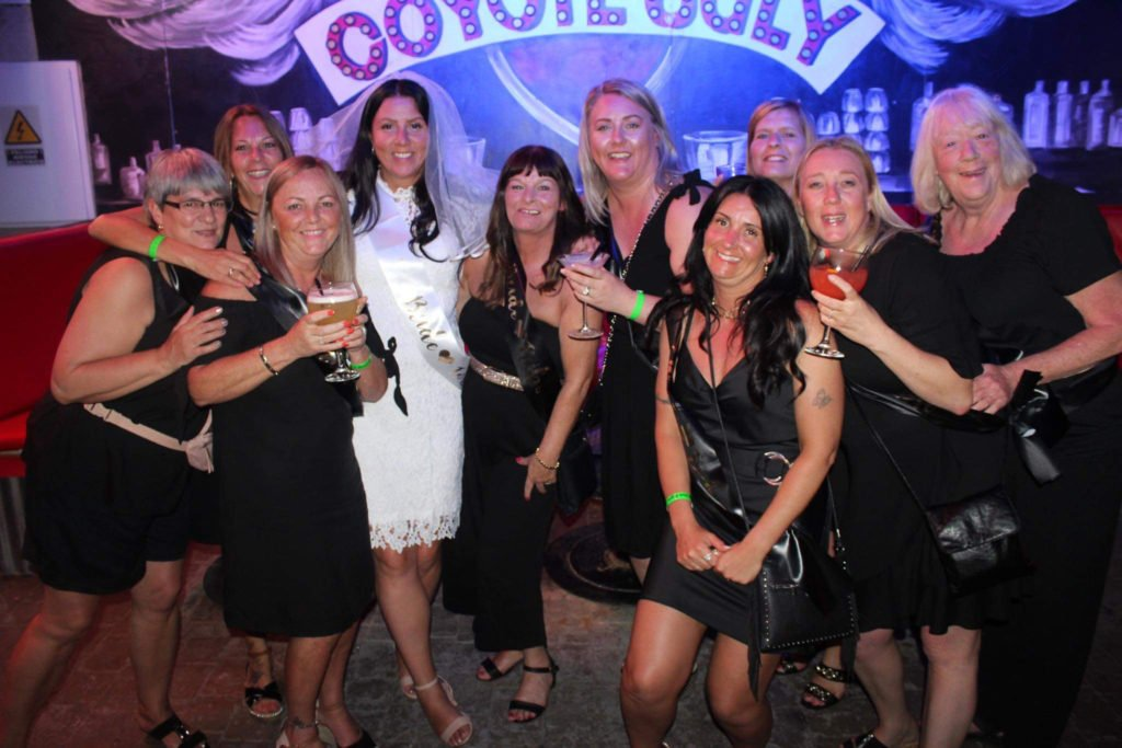 Hen Party in Coyote Ugly Magaluf